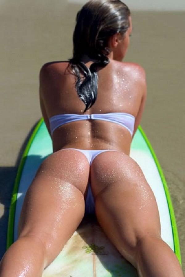 Подборка снимков девок в бикини на отдыхе 4 фото