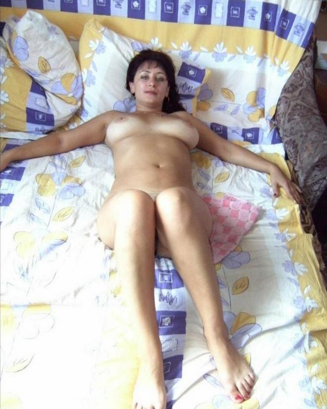Эротическая подборка мамаш и восемнадцатилеток из соцсети 13 фото