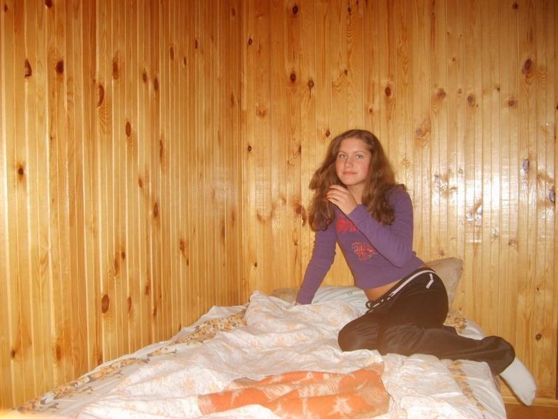 Зайка разделась соблазнив большим задом 1 фото