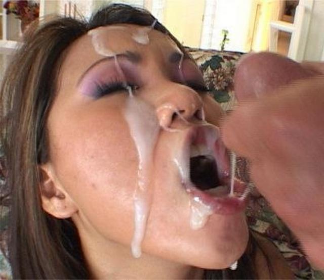 Подборка отсосавших телок со спермой на лице 3 фото
