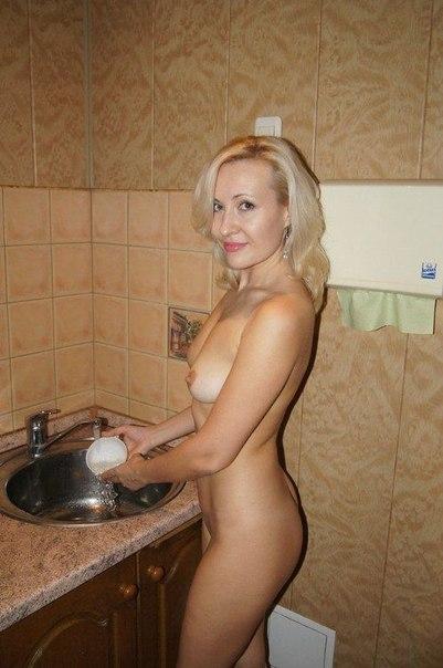 Зрелые женщины хвастаются своими бритыми вагинами 9 фото
