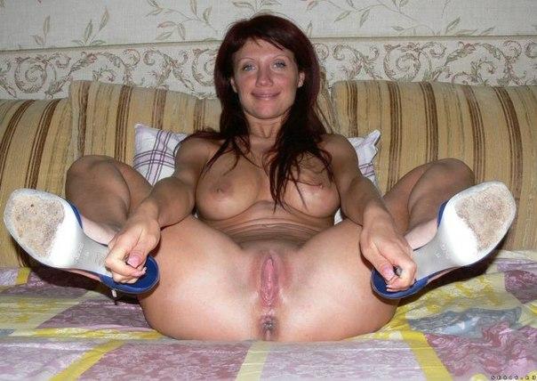 Зрелые женщины хвастаются своими бритыми вагинами 8 фото