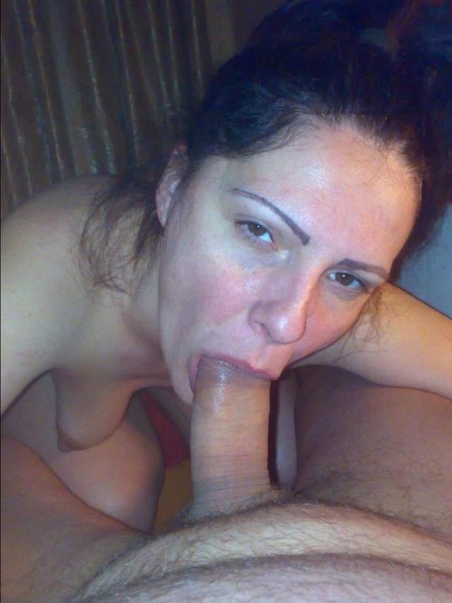 Любящие жены берут в рот члены своих мужей 42 фото