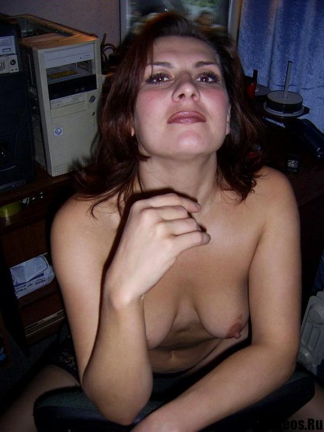 Кокетливая соседка прислала интимные снимки 16 фото