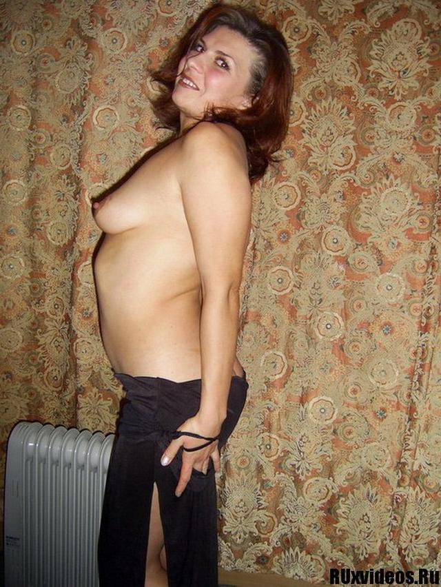 Кокетливая соседка прислала интимные снимки 4 фото