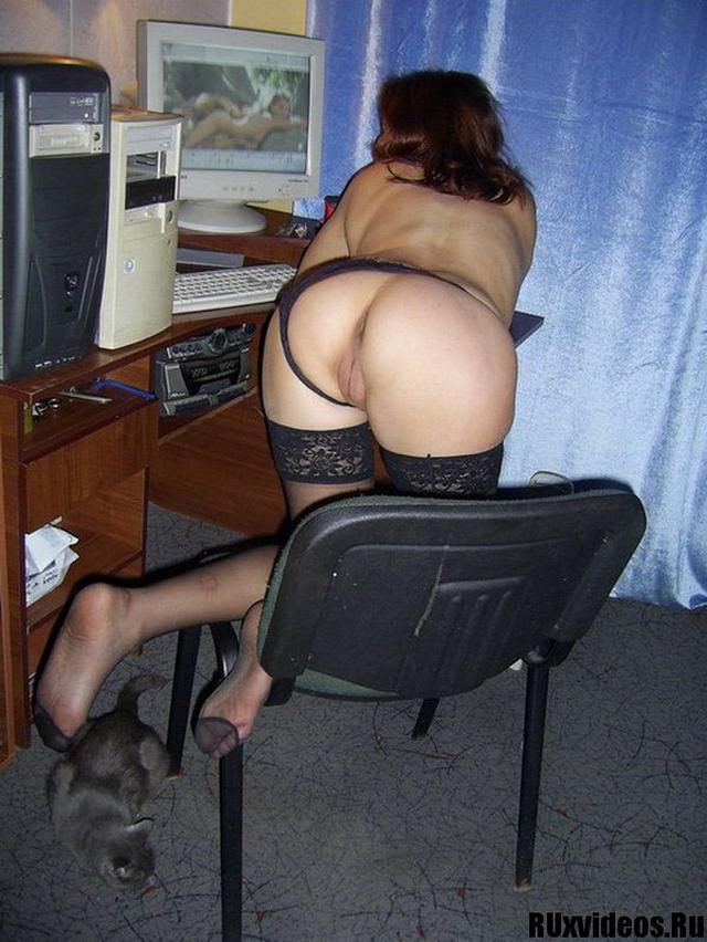 Кокетливая соседка прислала интимные снимки 17 фото