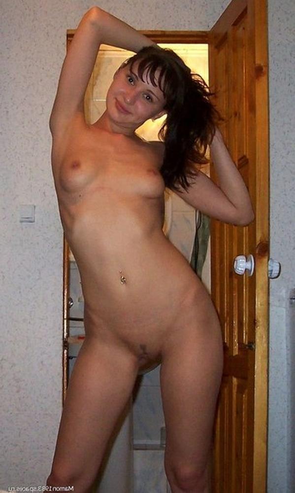 Замужние женщины старше 30 раздеваются перед мужиками 9 фото