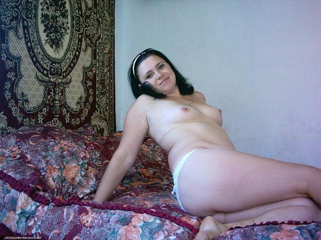 Замужние женщины старше 30 раздеваются перед мужиками 22 фото