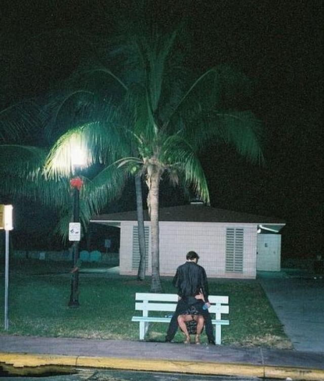 Развратные пары трахаются в публичных местах и на природе 7 фото