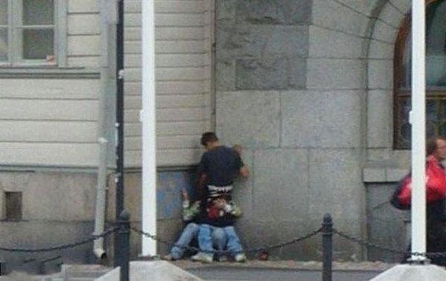 Развратные пары трахаются в публичных местах и на природе 6 фото