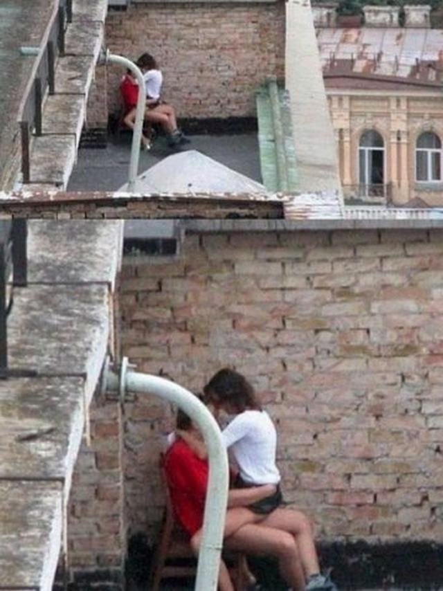 Развратные пары трахаются в публичных местах и на природе 2 фото