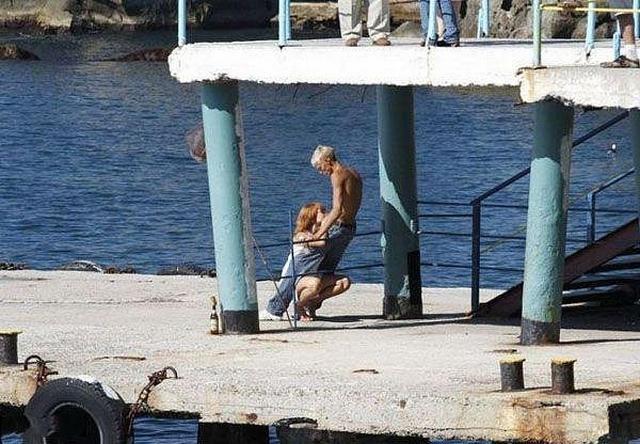 Развратные пары трахаются в публичных местах и на природе 5 фото