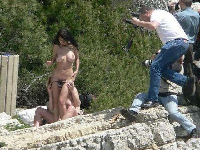 Развратные пары трахаются в публичных местах и на природе 11 фото