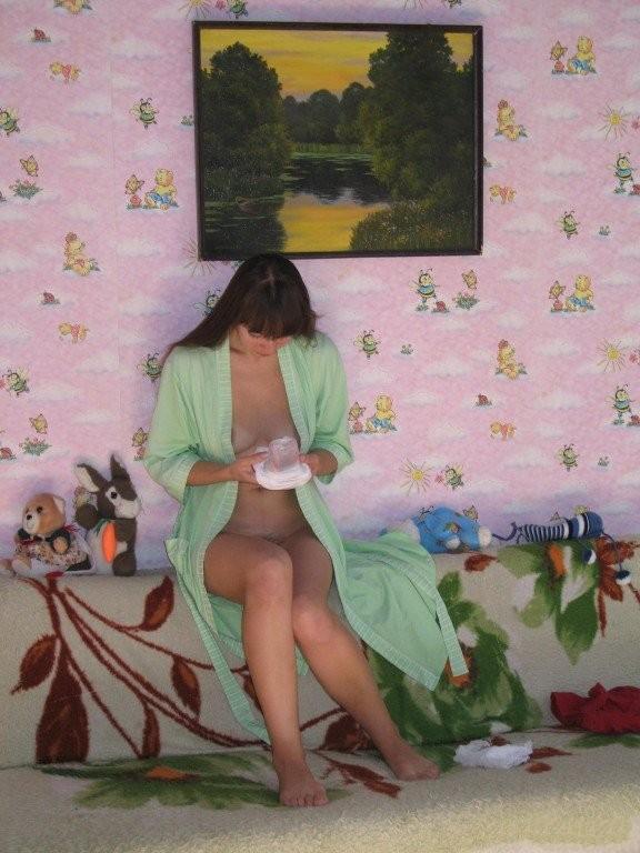 Жопастая бурятка позирует в чулках в медовый месяц 11 фото