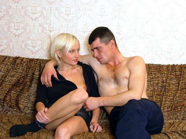 Подборка домашнего разврата от русских давалок 1 фото