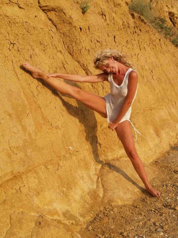40-летняя туристка купается в одежде 13 фото