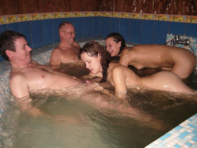 Пьяная оргия в джакузи с русскими давалками 31 фото