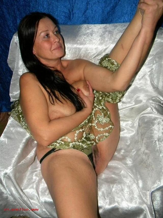 В сеть попала обнаженка славянских мамочек 21 фото