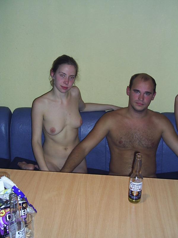 Поход с двумя девками в сауну 1 фото