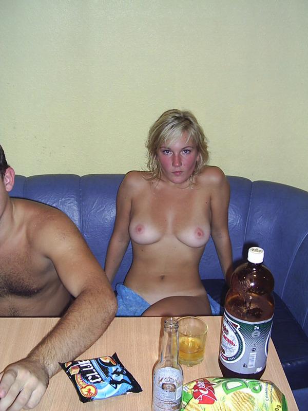 Поход с двумя девками в сауну 3 фото