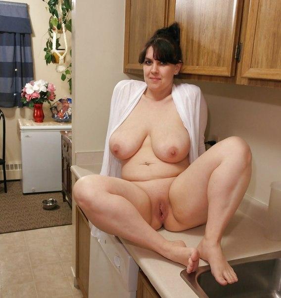 Снимки голых сисек мамок в разводе 6 фото