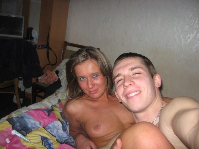 Молодая пара обменялась оралом и потрахалась на досуге 17 фото
