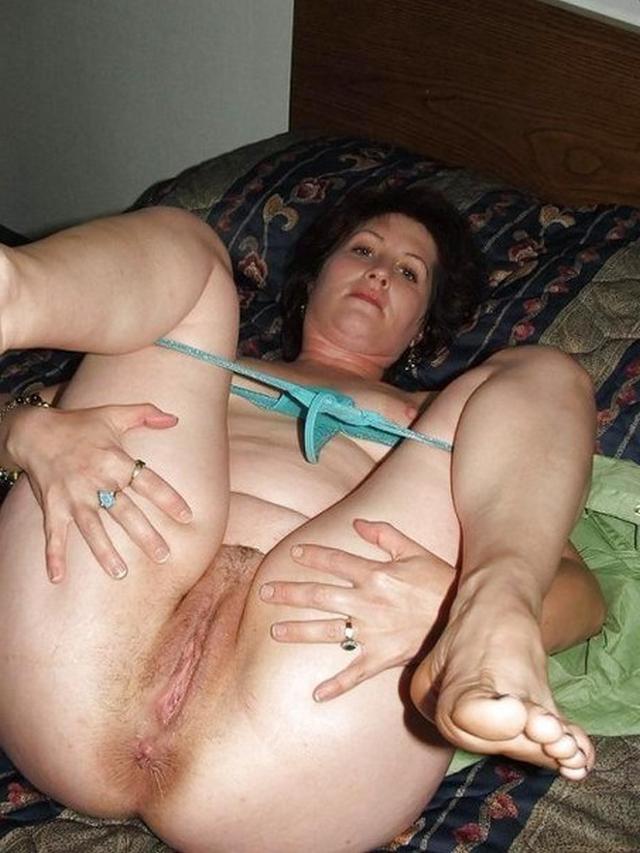 Мамочки дома хвастаются своими растянутыми вагинами 2 фото