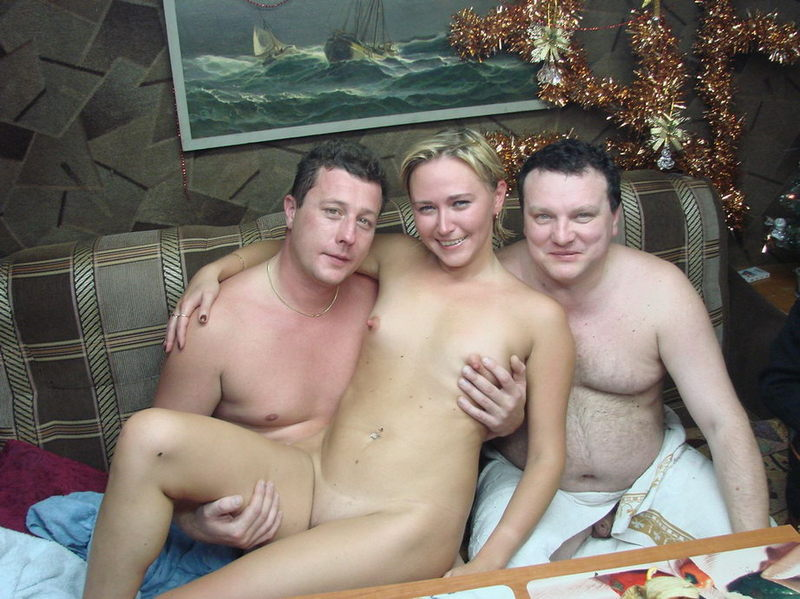 Жёны не стесняются раздеваться в бане при мужьях 13 фото