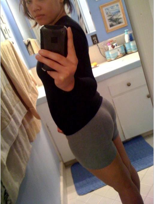 Селфи голых девушек в зеркале 1 фото