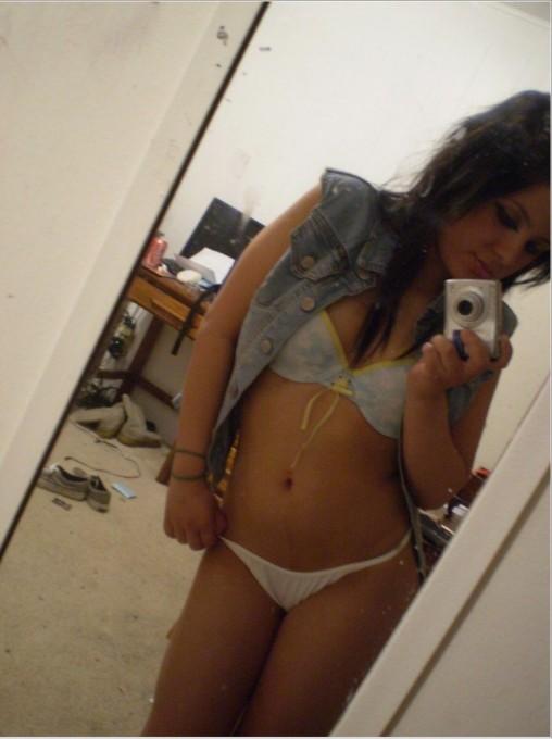 Селфи голых девушек в зеркале 13 фото