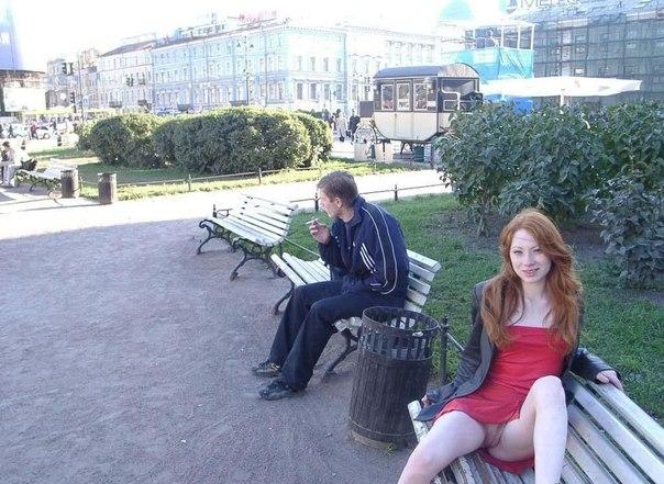 Девушки показывают свои неудовлетворенные писи 27 фото