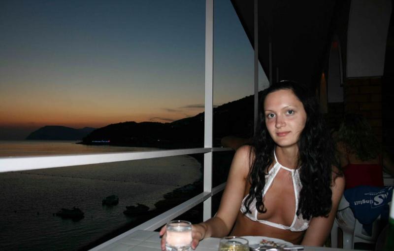 Пьяная туристка из России разделась по дороге в отель 1 фото