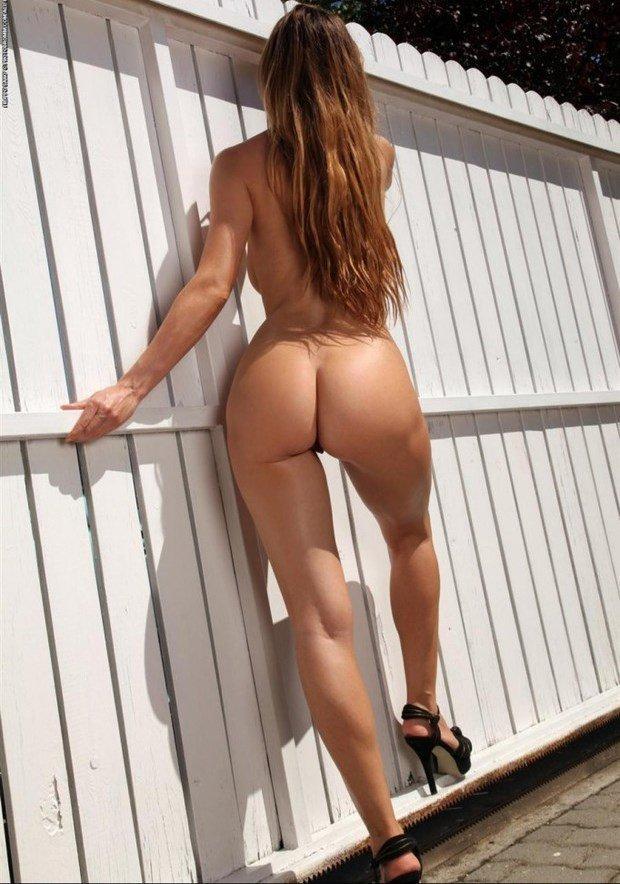 Сборник голых задниц стройных девушек 12 фото