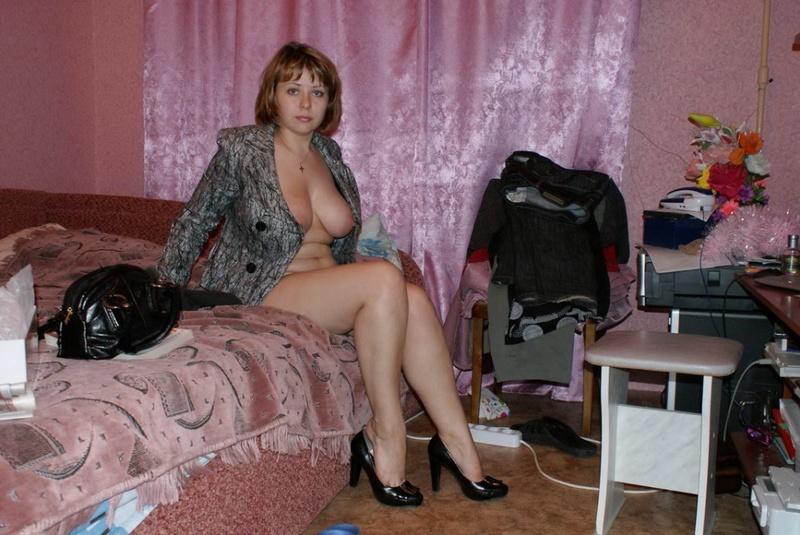 Женщине с небритой киской требуется ласка 8 фото