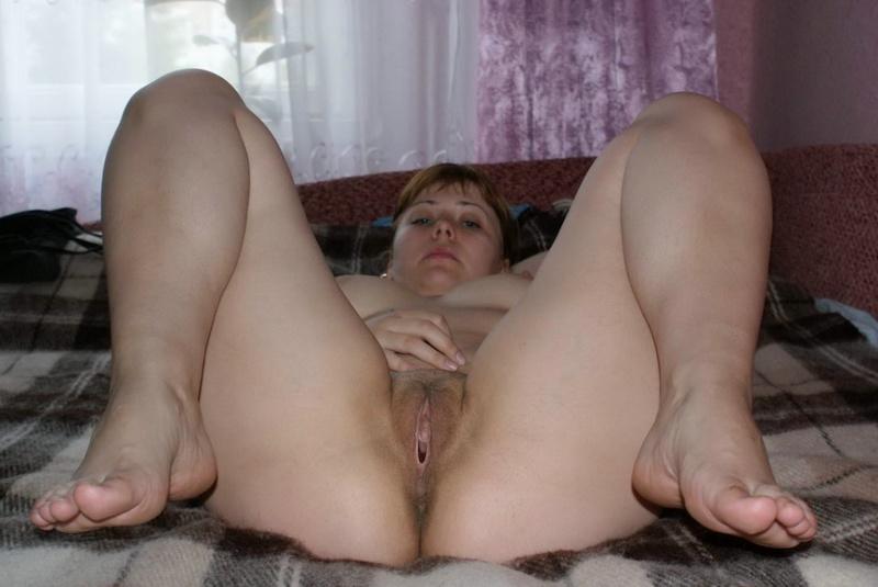 Женщине с небритой киской требуется ласка 4 фото