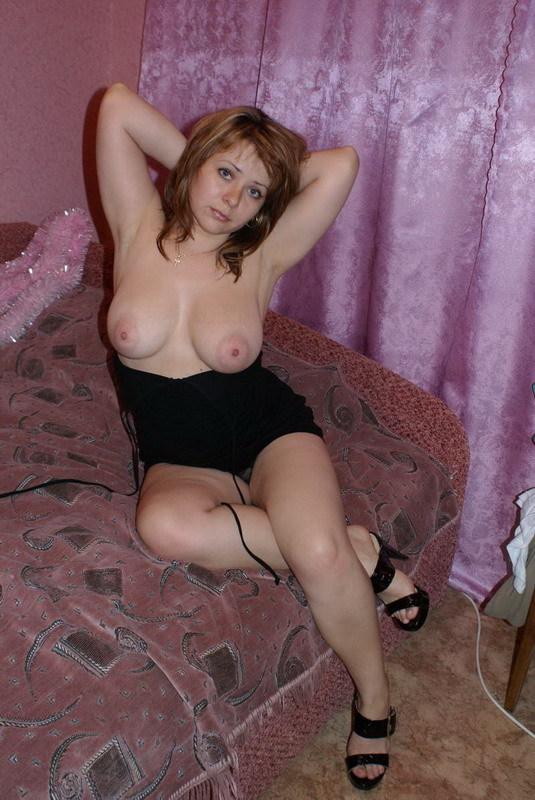 Женщине с небритой киской требуется ласка 7 фото