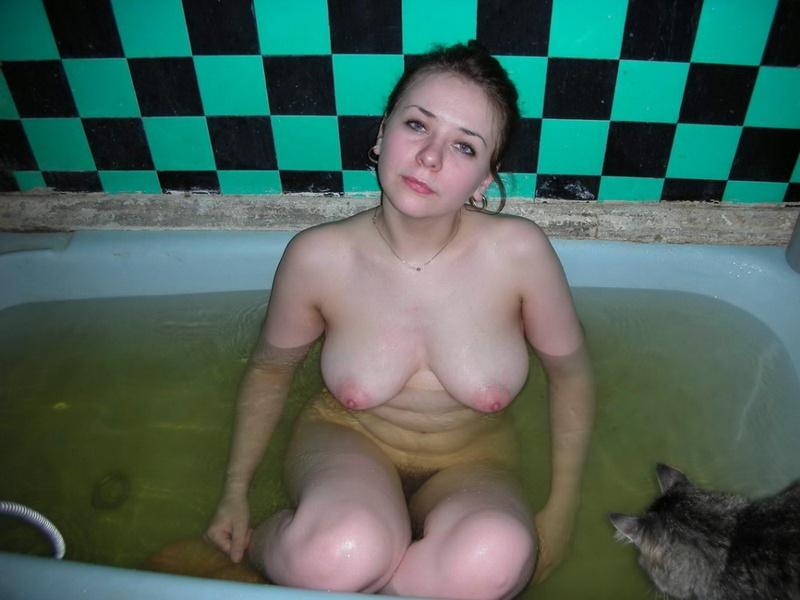 Женщине с небритой киской требуется ласка 9 фото