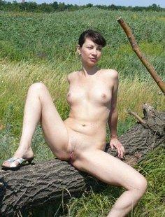 Провинциалки хвастаются голыми титьками и кисками