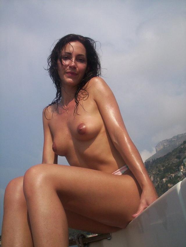 Провинциалки хвастаются голыми титьками и кисками 29 фото