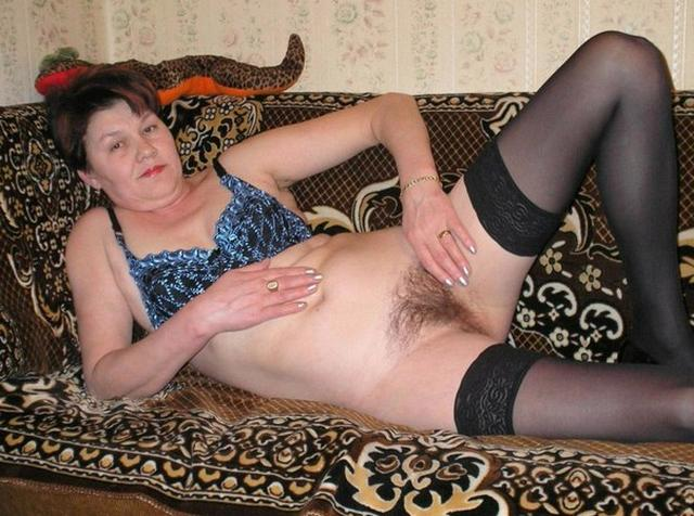 Толстая и горячая баба в чулках в соло 5 фото