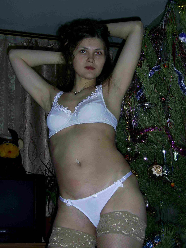 Прдавщица из провинции дрочит анал дилдаком 7 фото
