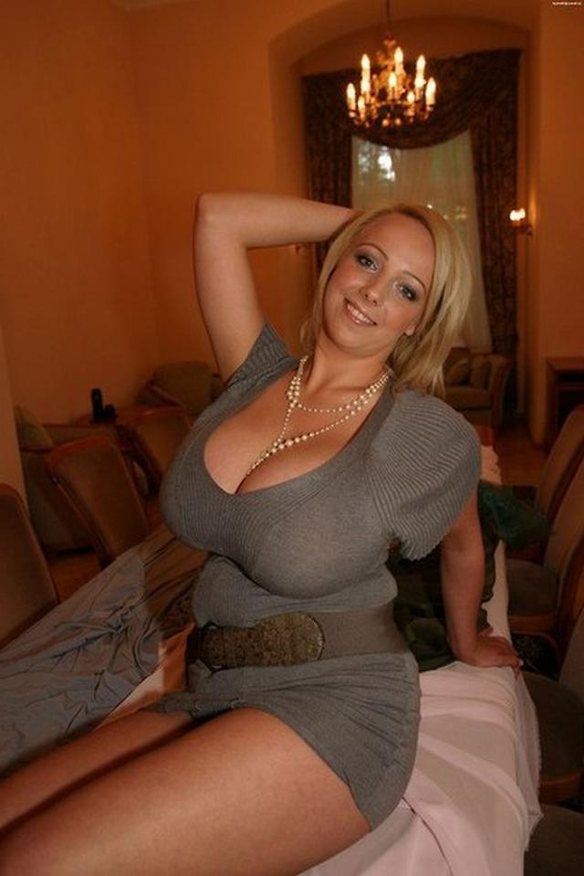Сборка женщин с большой грудью и сракой 30 фото