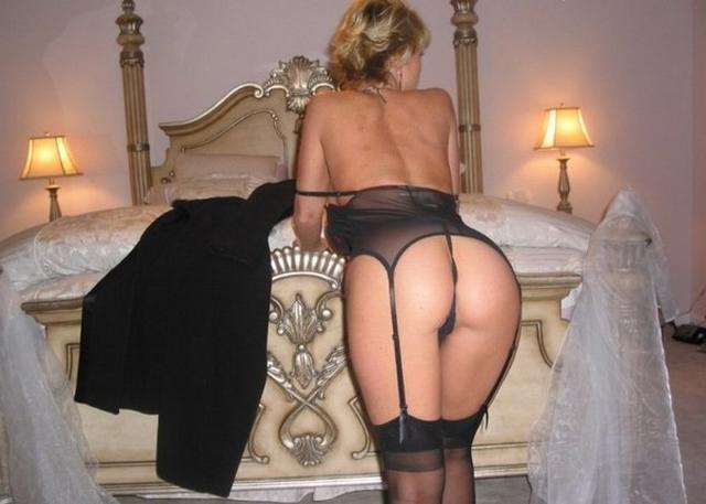 Сиськастая бинесвумен устроила стриптиз напарнику в номере гостиницы 20 фото