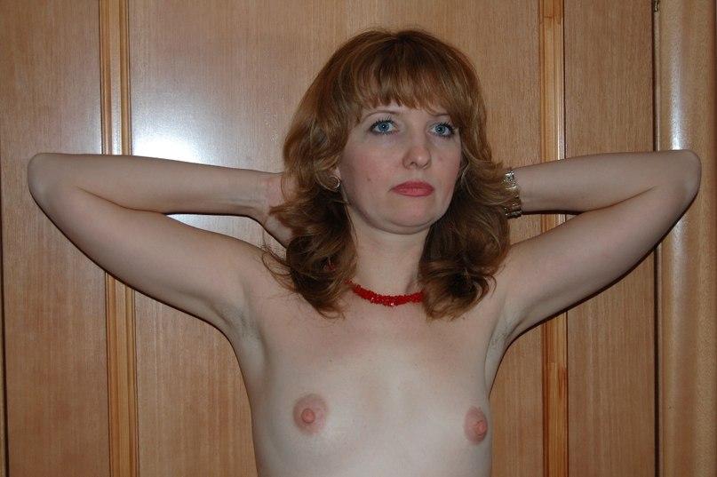 Длинноволосые девушки не стесняются демонстрировать огромные дойки 20 фото