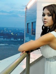 Частные снимки 18-летней эро-модели из России