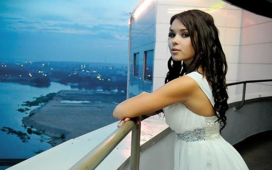 Частные снимки 18-летней эро-модели из России 2 фото