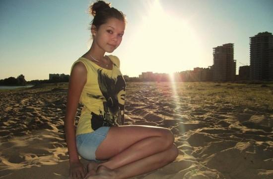 Частные снимки 18-летней эро-модели из России 11 фото