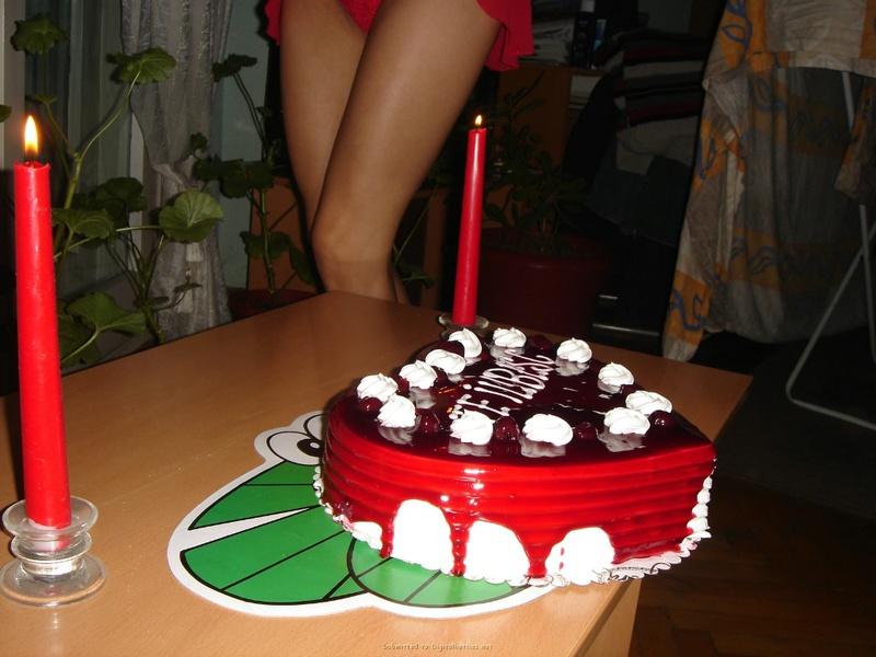 Подарила мужу торт и себя голую 9 фото