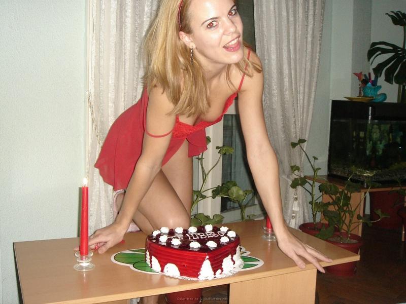 Подарила мужу торт и себя голую 12 фото