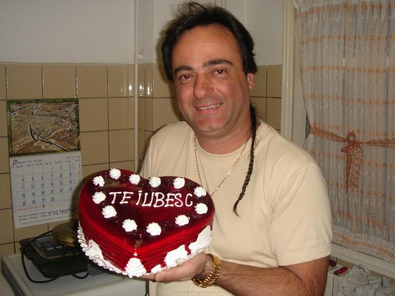 Подарила мужу торт и себя голую 7 фото